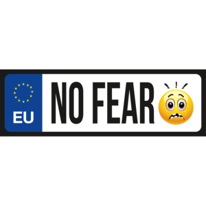 No fear emoji vicces rendszámtábla minta